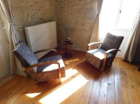 Living Room, Side